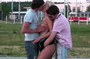 Blonde hexe groupsex